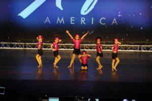 poms-team-dance-america-show